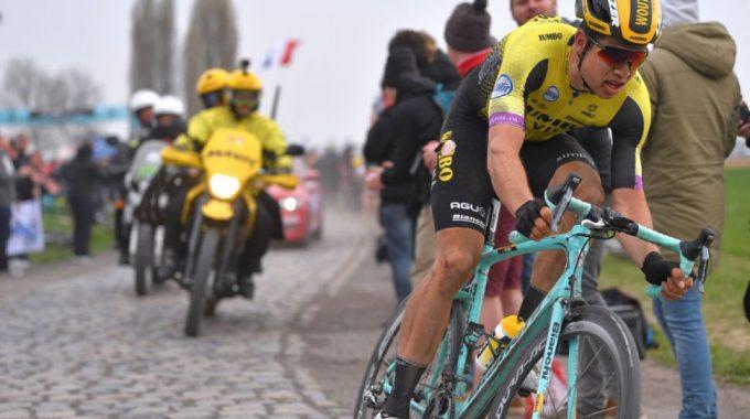 Van Aert affronta i ciottoli Paris-Roubaix in allenamento