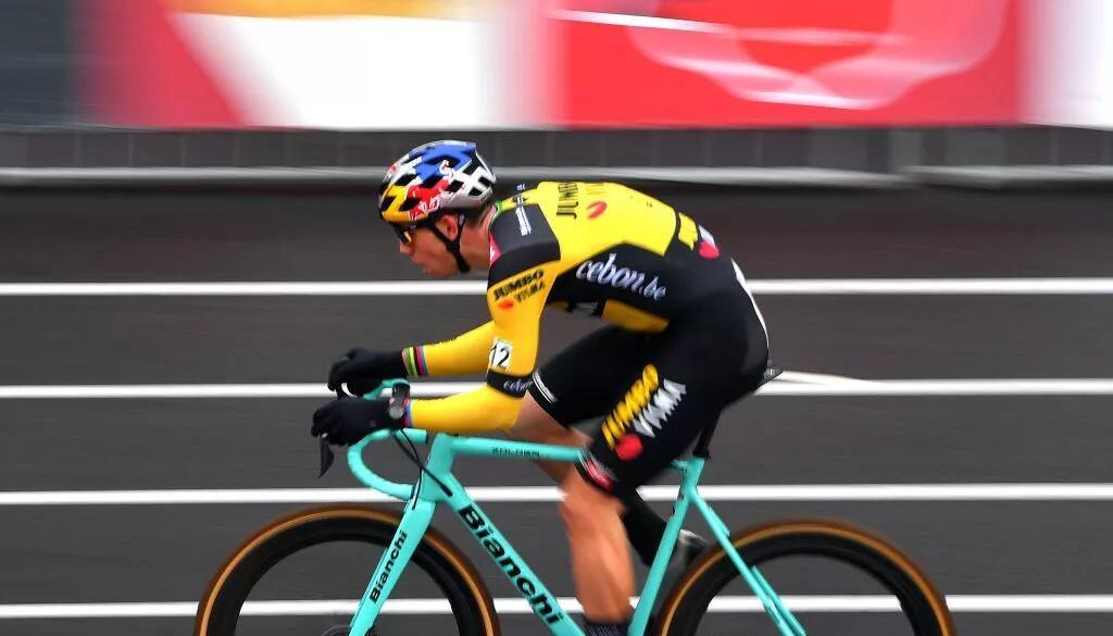 Wout van Aert rimarrà su Bianchi per la stagione del ciclocross mentre Jumbo-Visma passa a Cervélo