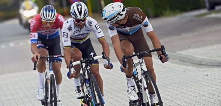 AG2R Citroën guarda Julian Alaphilippe come leader del Tour de France 2022